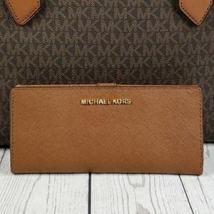 Michael Kors Jet Set MD Slim Bi Fold Wallet Brown